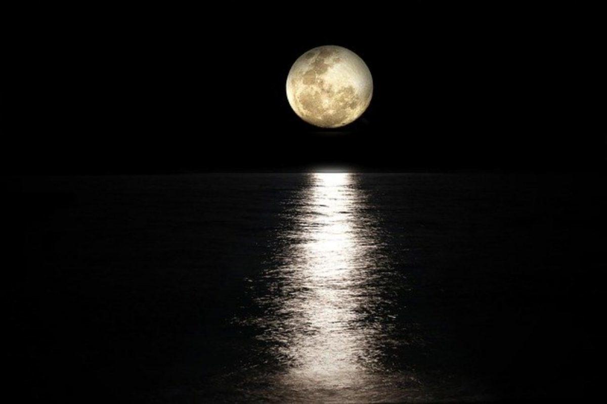 Powerful Full Moon Love Spells